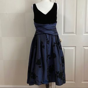 Vintage Donna Morgan Velvet Taffeta Dress